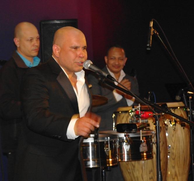 Alexander y SU Orquesta